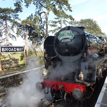 Steaming Through the Cotswolds - 5 Days