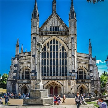 Stunning Salisbury & Wonderful Winchester